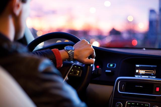 מסוכן בזמן נהיגה
